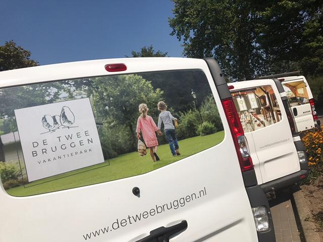 Uitgelichte afbeelding van Nieuwe bedrijfsbussen Vakantiepark De Twee Bruggen & Restaurant De Schoppe
